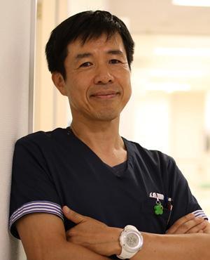 院長 鈴木勇三